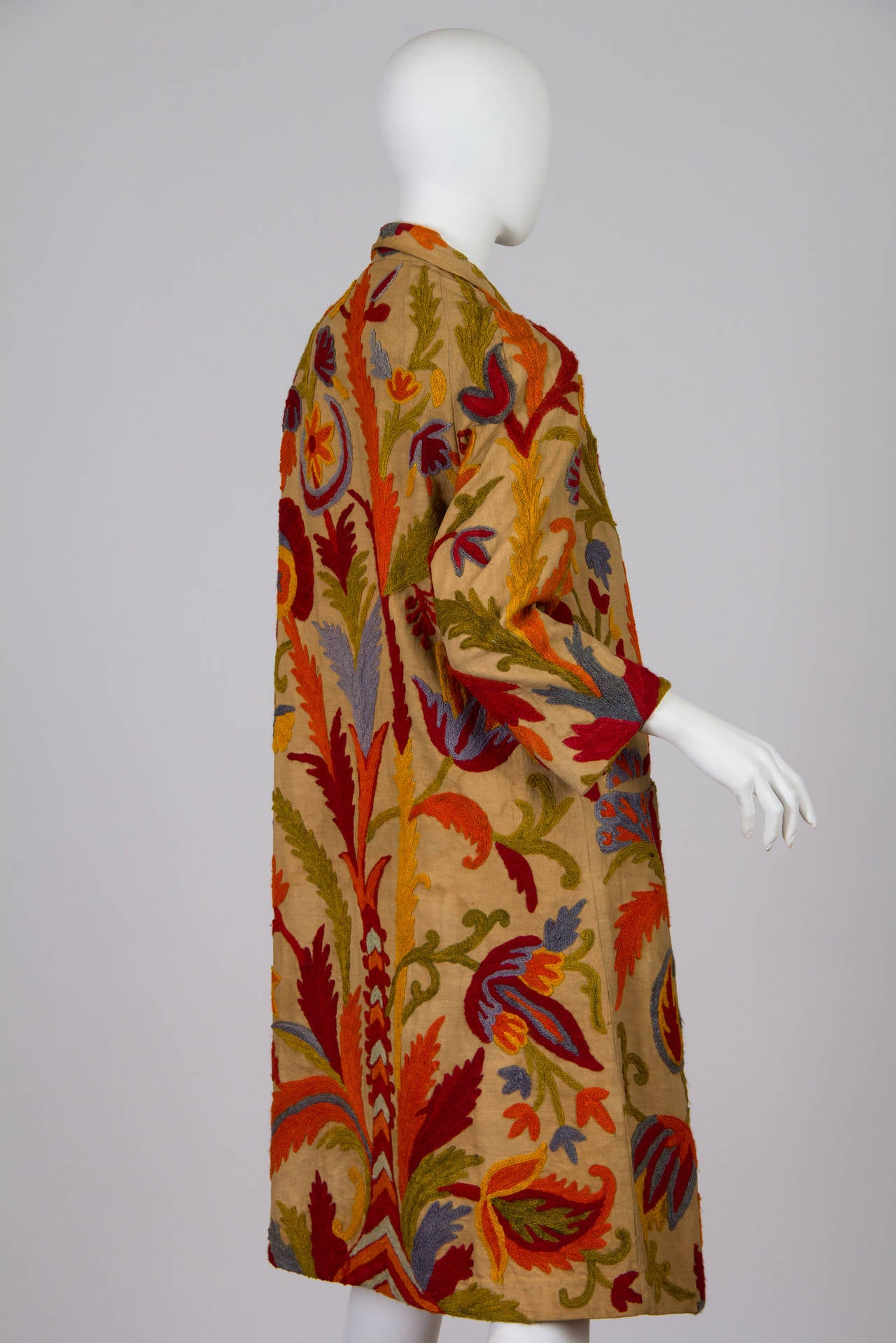 1920s Wool on Cotton Indian Crewl Embroidered Coat 4