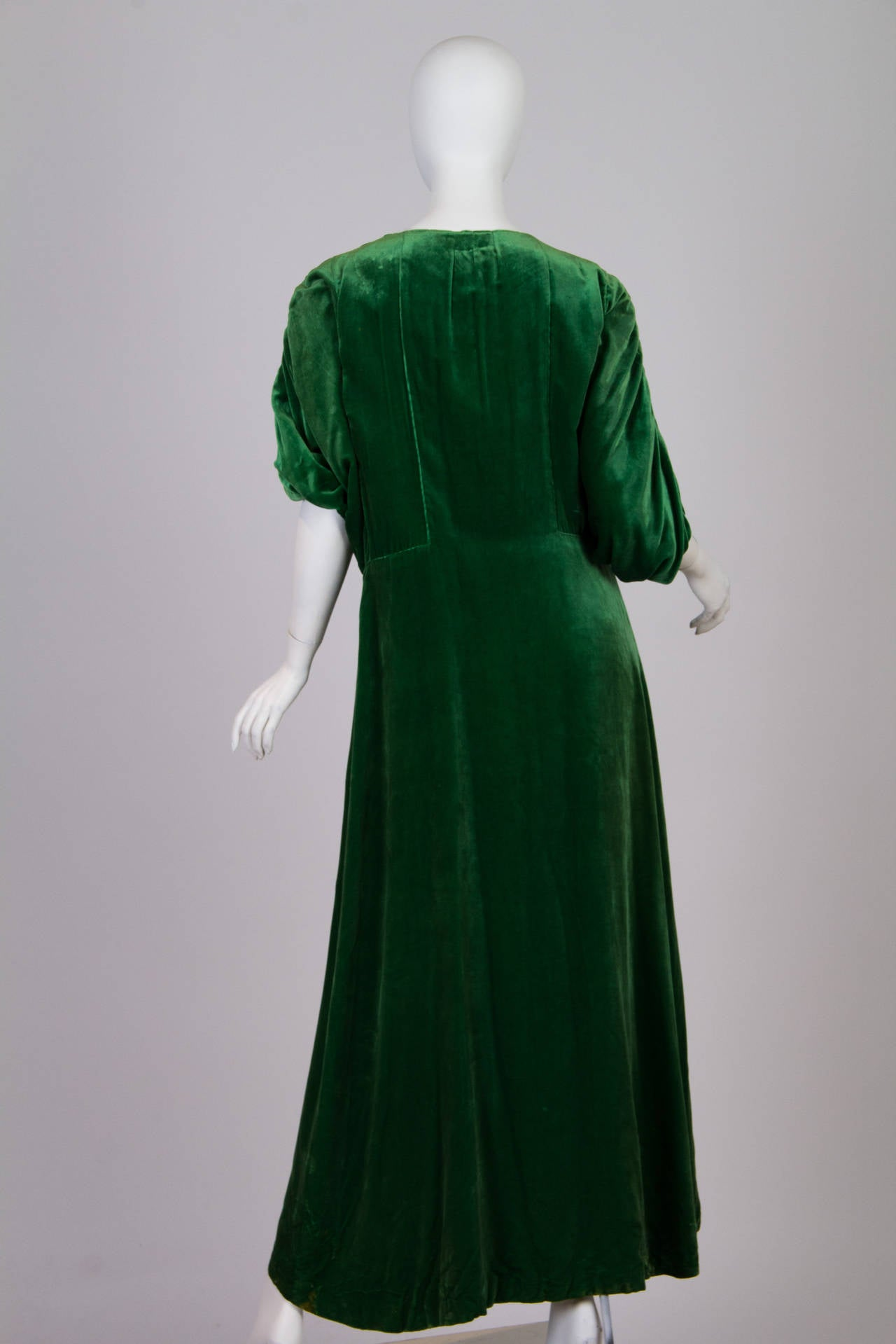 1910s Silk Velvet Pengoir In The Style Of Paul Poiret At
