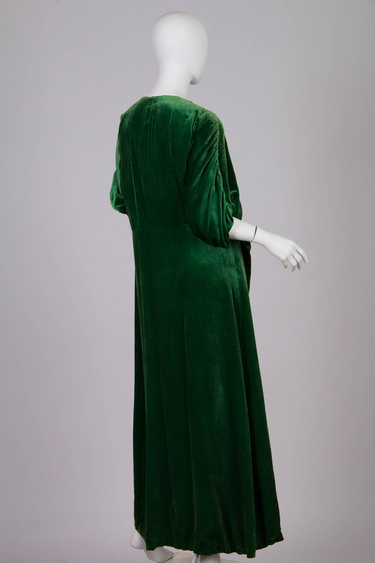1910s Silk Velvet Pengoir In The Style Of Paul Poiret At