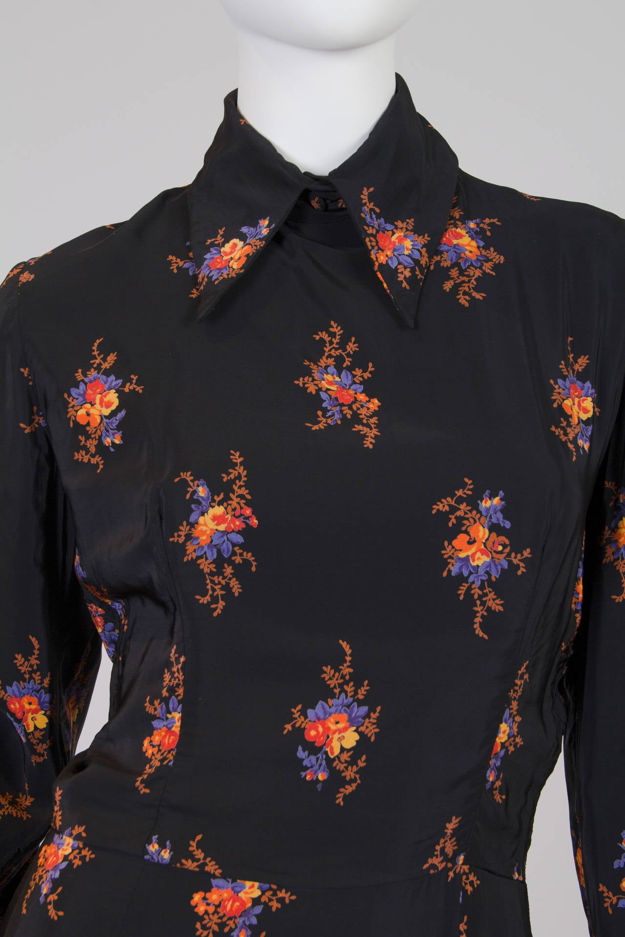 Valentino 1970s Nouveau Victorian Floral Dress 9