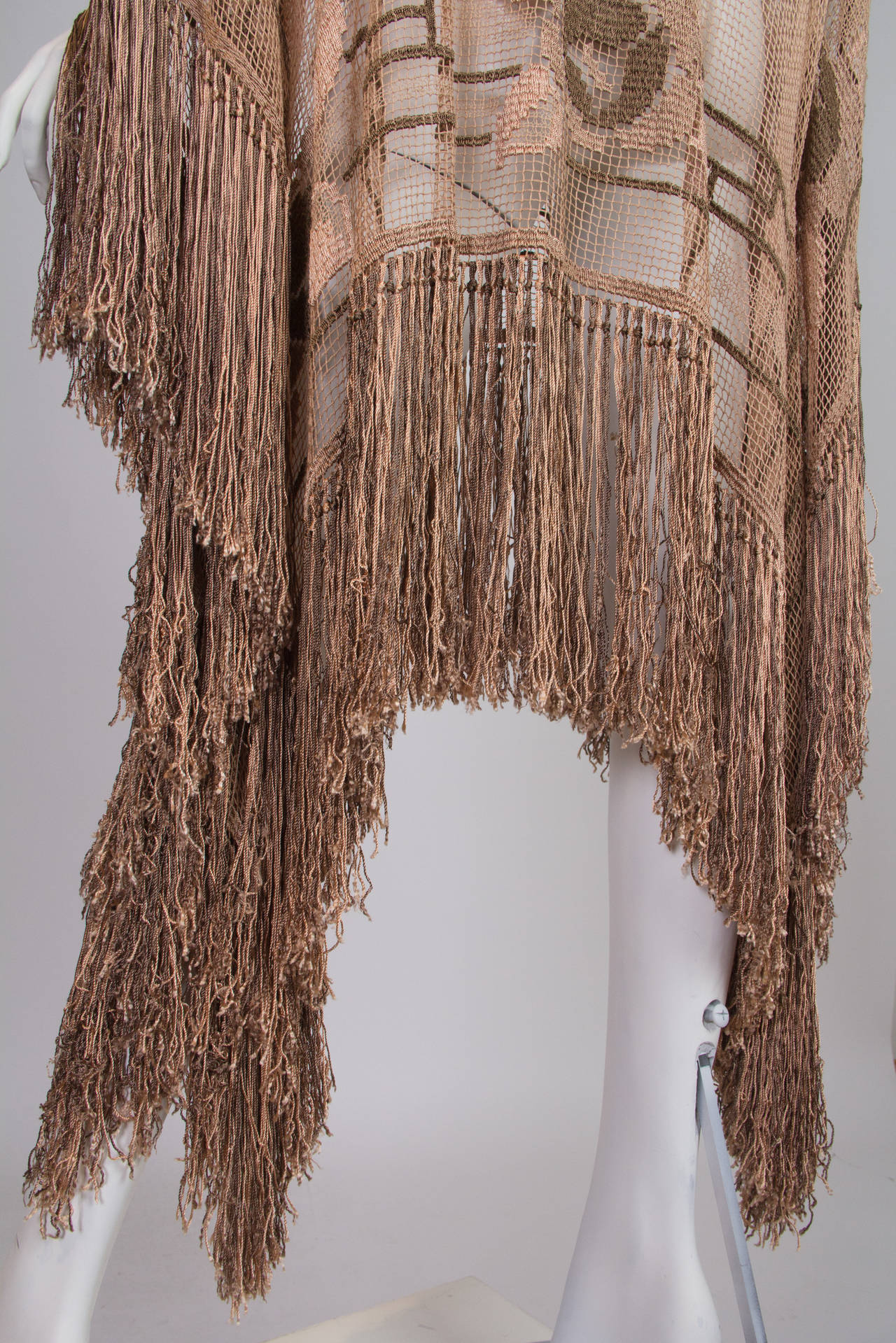 1920s Handmade Filet Lace Boho Fringed Tunic For Sale 4
