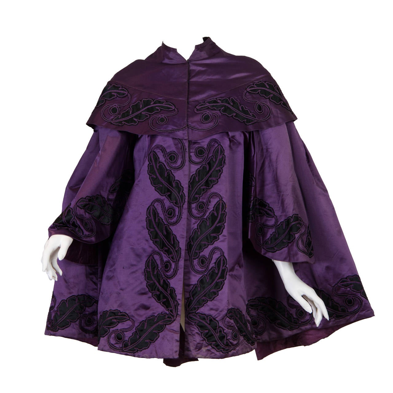 Victorian Purple & Black Silk Satin 1850-70 Cape With Hand-Quilted Lining Appli