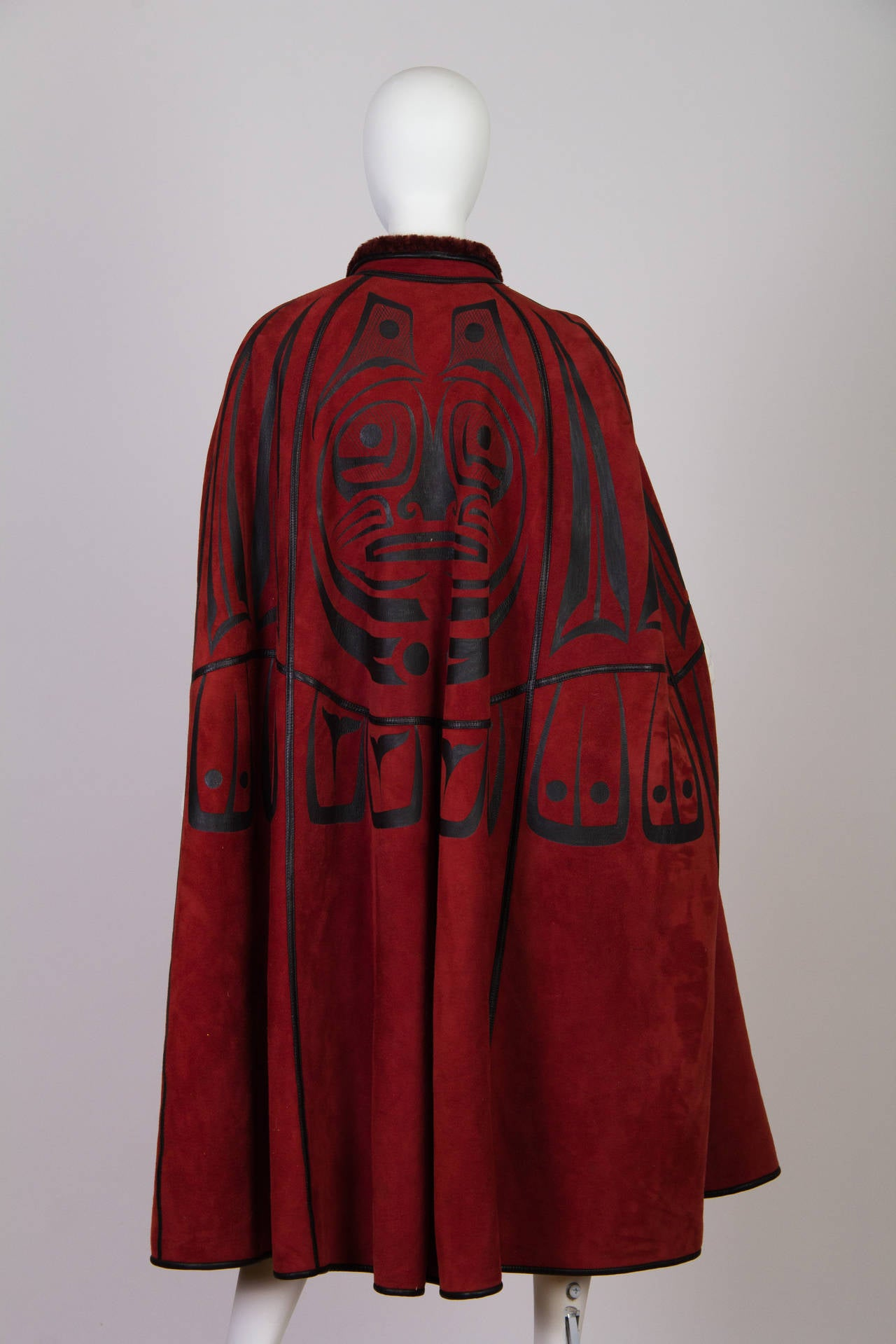 Inuit Native American Inspired Shearling Cape In Excellent Condition For Sale In New York, NY