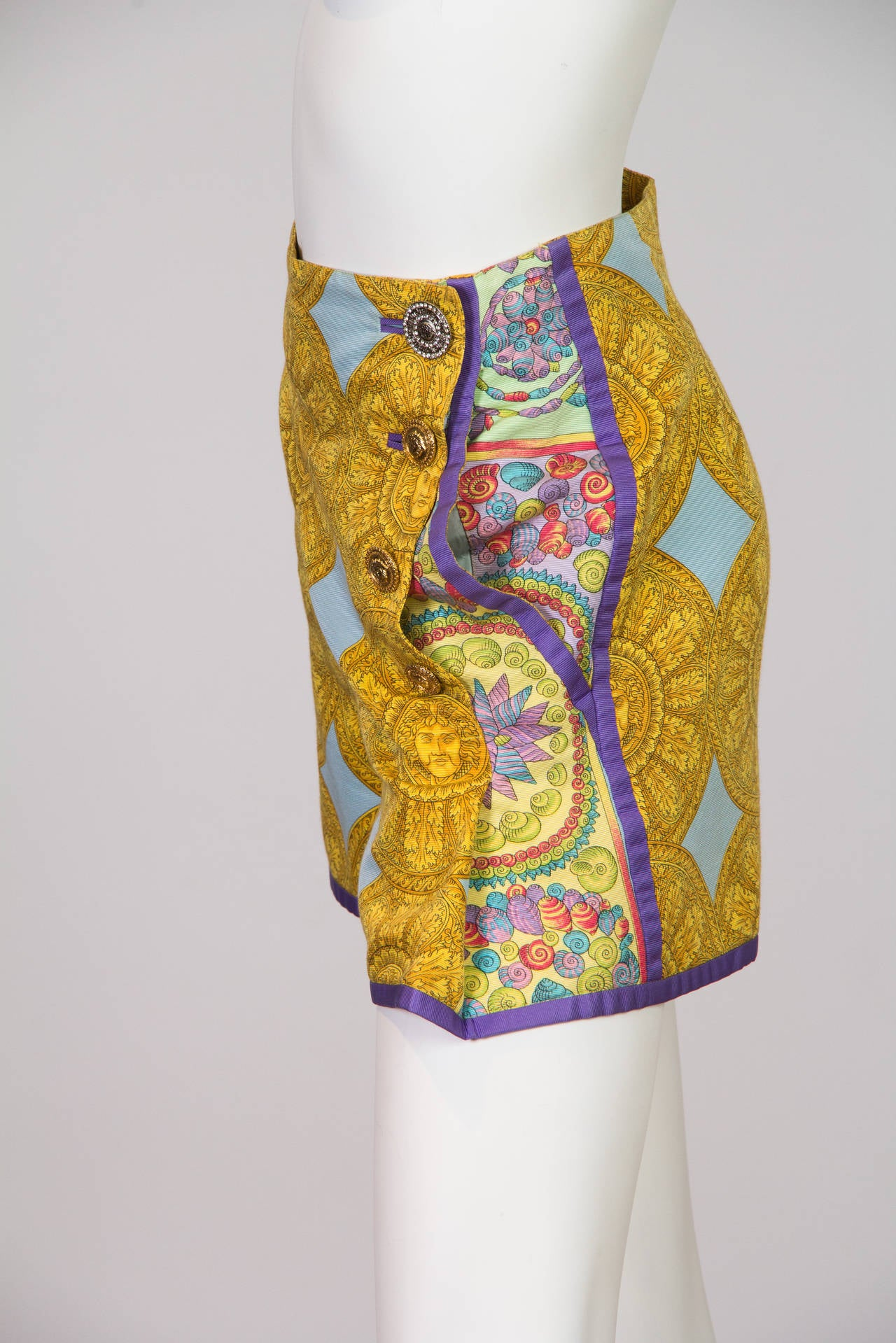 1992 Gianni Versace shorts In Excellent Condition For Sale In New York, NY