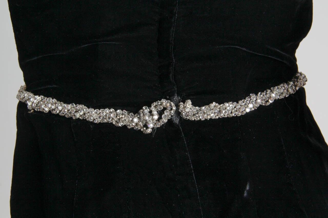 1970s Ceil Chapman Plunging Halter Neck Gown in Velvet For Sale 3
