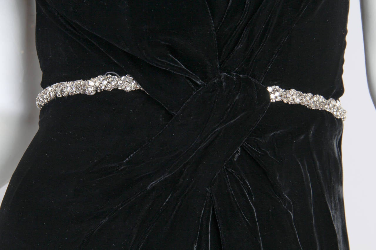1970s Ceil Chapman Plunging Halter Neck Gown in Velvet For Sale 2