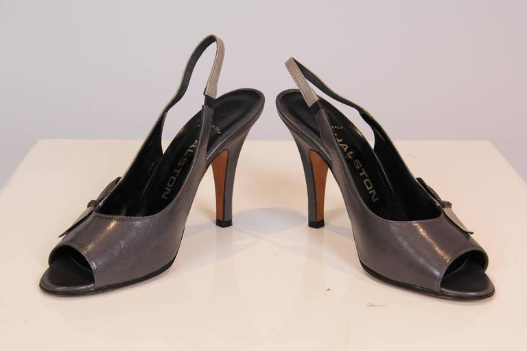 1970s Halston Peep-toe Heels In Excellent Condition For Sale In New York, NY