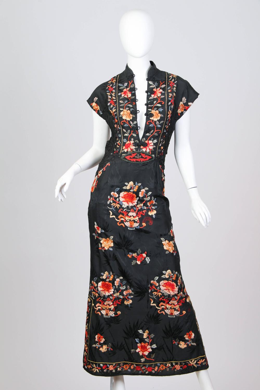 Backless Hand Embroidered Chinese Dress With Victorian
