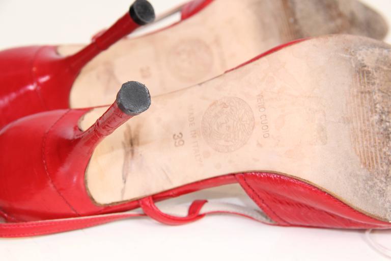 1990s Gianni Versace Eel Skin Pumps  For Sale 2