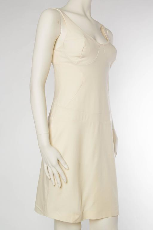 Gianni Versace Versus Stretch Cream Underwire Dress with Slit In Excellent Condition For Sale In New York, NY