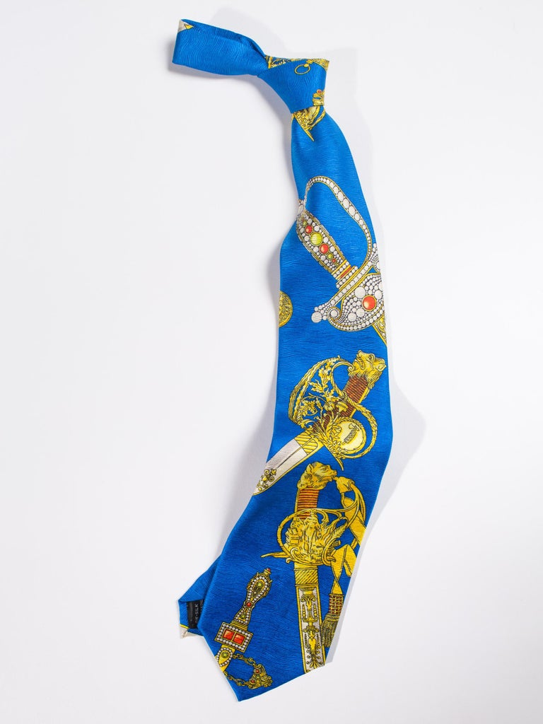 1990s Gianni Versace Bright Blue Mens Silk Tie With Gold Swords For Sale 3