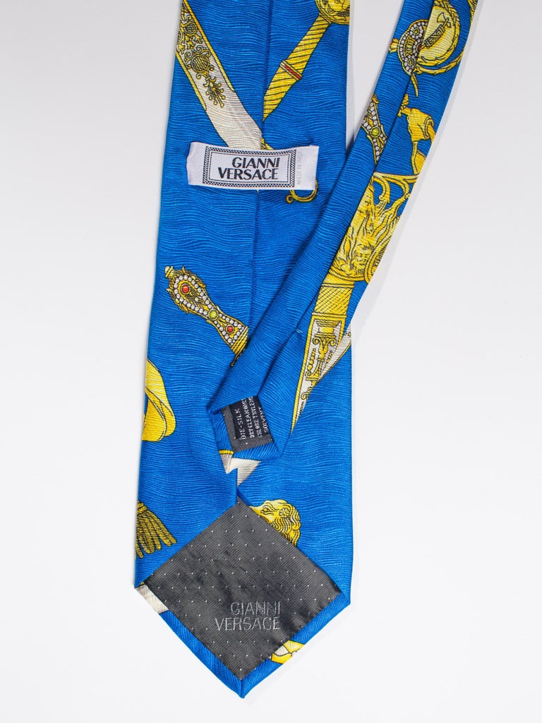 1990s Gianni Versace Bright Blue Mens Silk Tie With Gold Swords For Sale 4