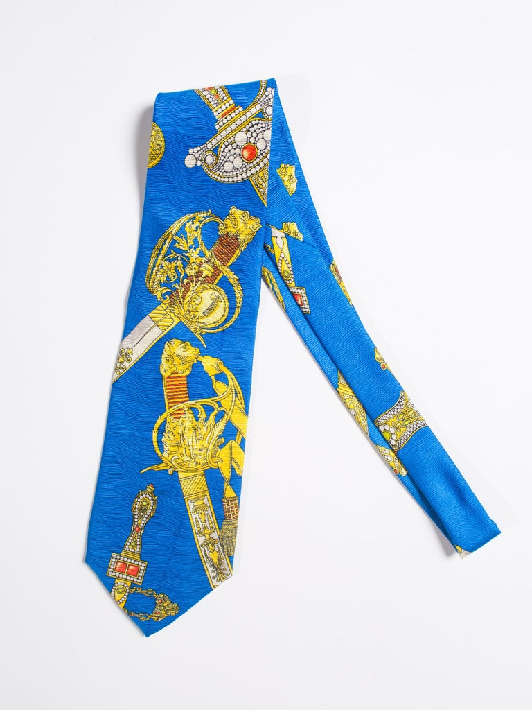 1990s Gianni Versace Bright Blue Mens Silk Tie With Gold Swords For Sale 5