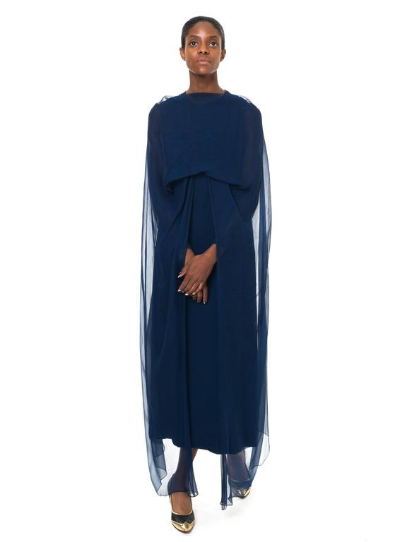 1960s Balmain Haute Couture Gown In Excellent Condition For Sale In New York, NY