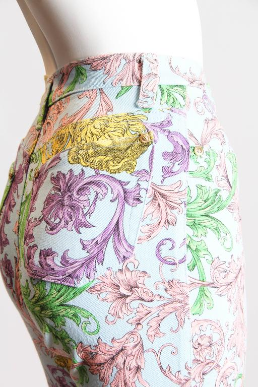 Gianni Versace Baroque Print High-Waisted Jeans In Excellent Condition For Sale In New York, NY