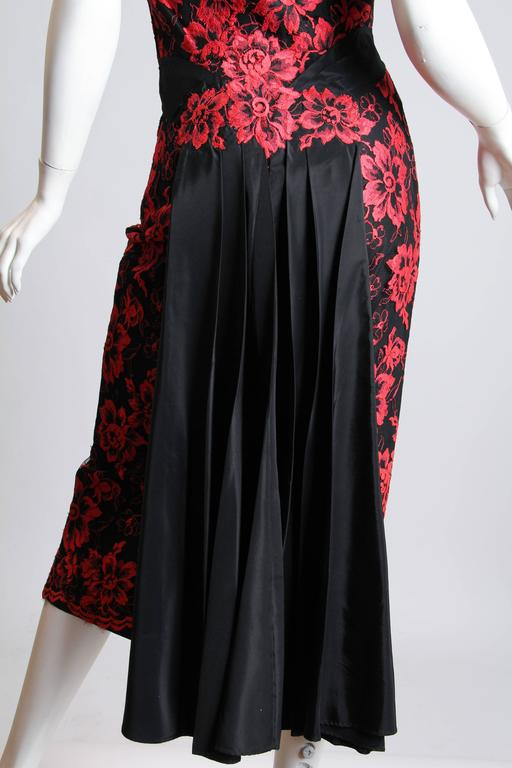 1950S PEGGY HUNT Black & Red Silk Taffeta Chantilly Lace Cocktail Dress For Sale 3