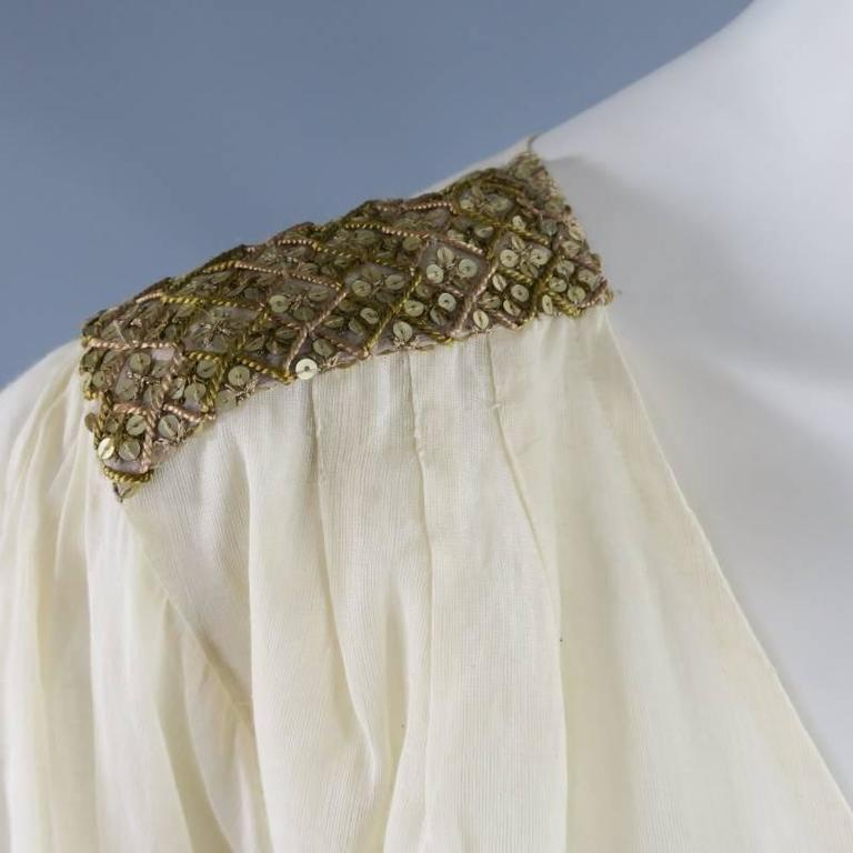OSCAR DE LA RENTA 8 Beige Linen Sequin Shoulder Bishop Sleeve Wrap Blouse In Excellent Condition For Sale In San Francisco, CA