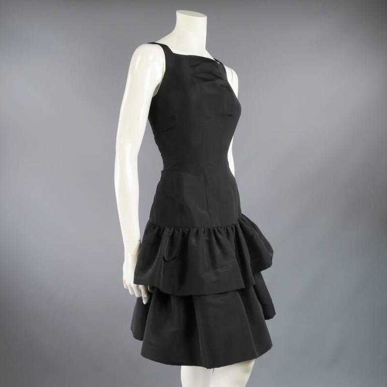Women's OSCAR DE LA RENTA 8 Black Silk Drop Waist Layered Ruffle Vintage Cocktail Dress For Sale