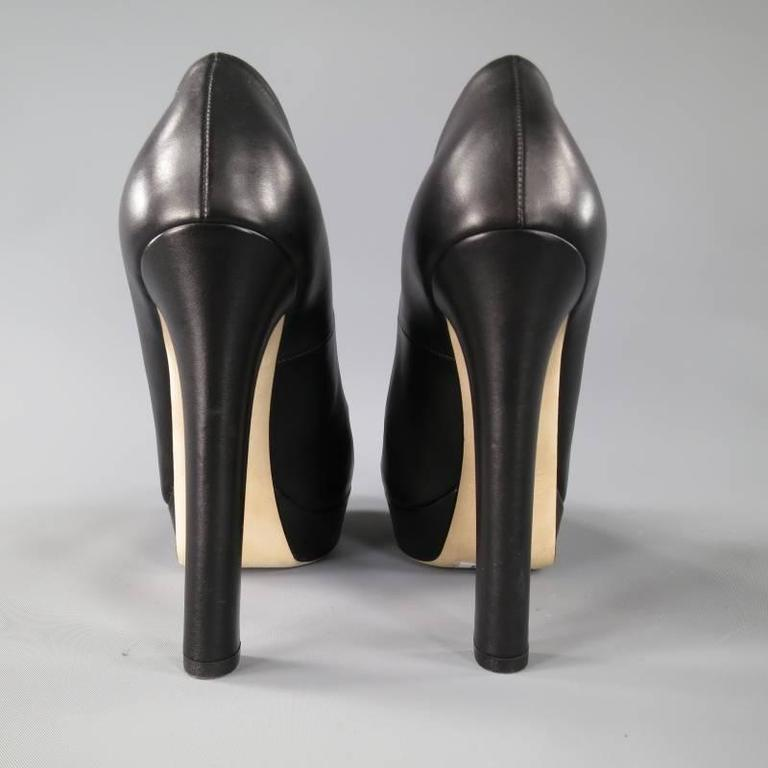 GUCCI Size 7.5 Black LeatherThick Heel -Helena- Platform Pumps For Sale 5