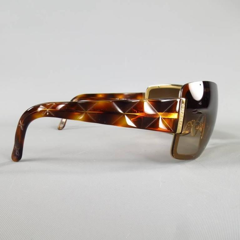 b3f4eee13d CHANEL Brown   Gold Quited Tourtoise Sunglasses In Excellent Condition For  Sale In San Francisco