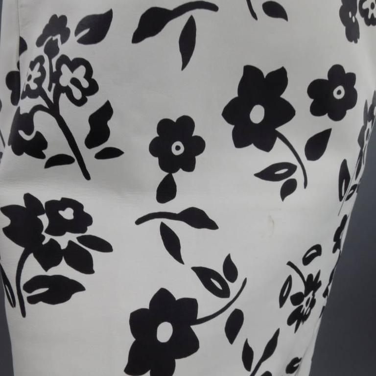 Gray RALPH LAUREN Size 2 White Black FLoral Print Leather A line Skirt For Sale