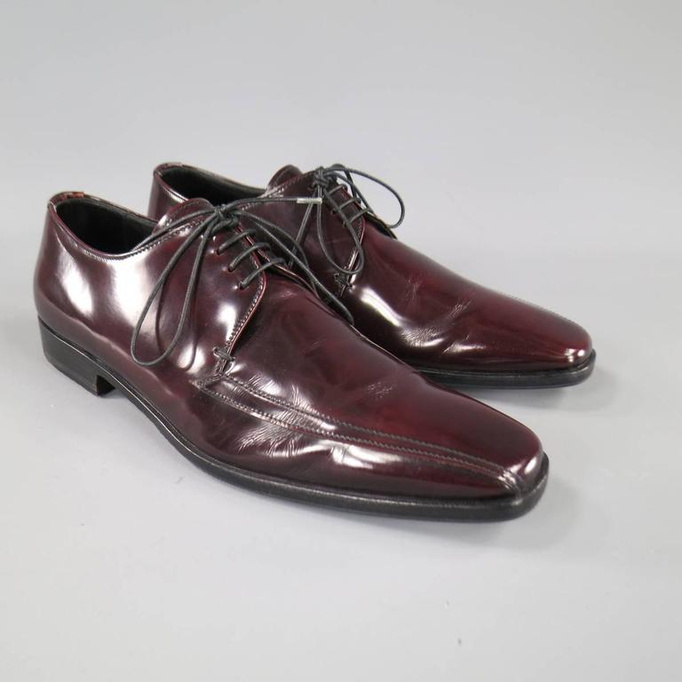 Men's PRADA Size 8 Burgundy Patent Leather Pointed Square Toe Lace Up For Sale