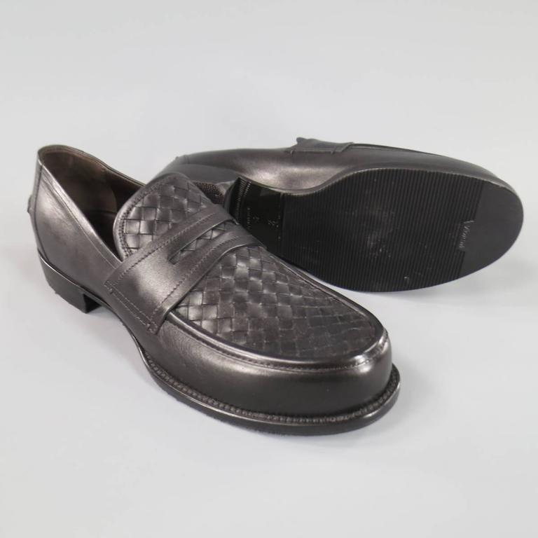 BOTTEGA VENETA Men's Size 11 Men's Black Leather Intrecciato Woven Penny Loafers In New never worn Condition For Sale In San Francisco, CA