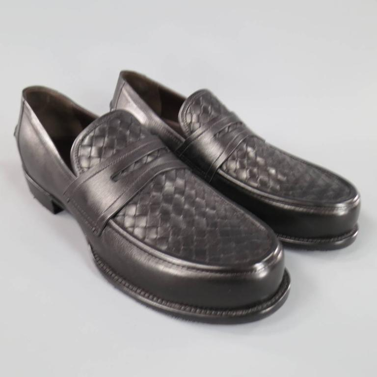 BOTTEGA VENETA Men's Size 11 Men's Black Leather Intrecciato Woven Penny Loafers For Sale 2