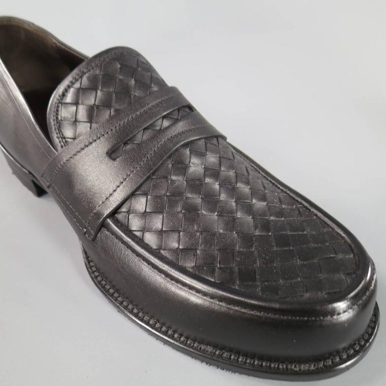 BOTTEGA VENETA Men's Size 11 Men's Black Leather Intrecciato Woven Penny Loafers For Sale 3