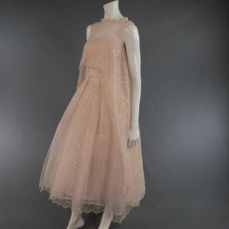 MONIQUE LHUILLIER Size 4 Pink Iridescent Lace Strapless Two Piece Cape Dress For Sale 2