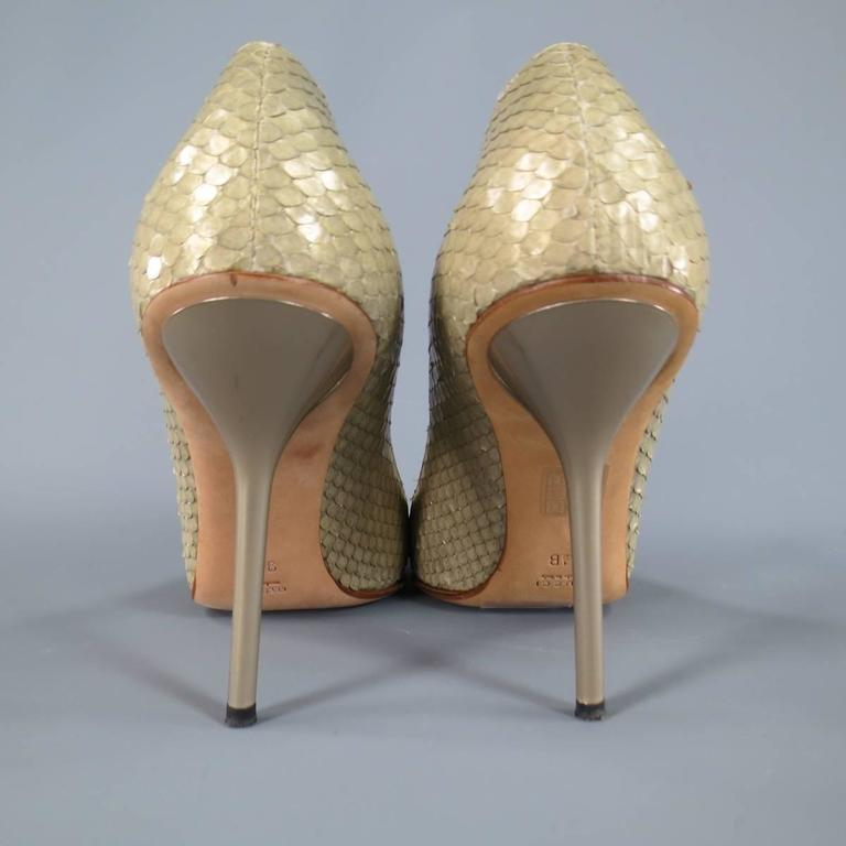 GUCCI Size 9.5 Mint Beige Snakeskin Silver Horsebit Pointed Toe Metal Heel Pumps 7