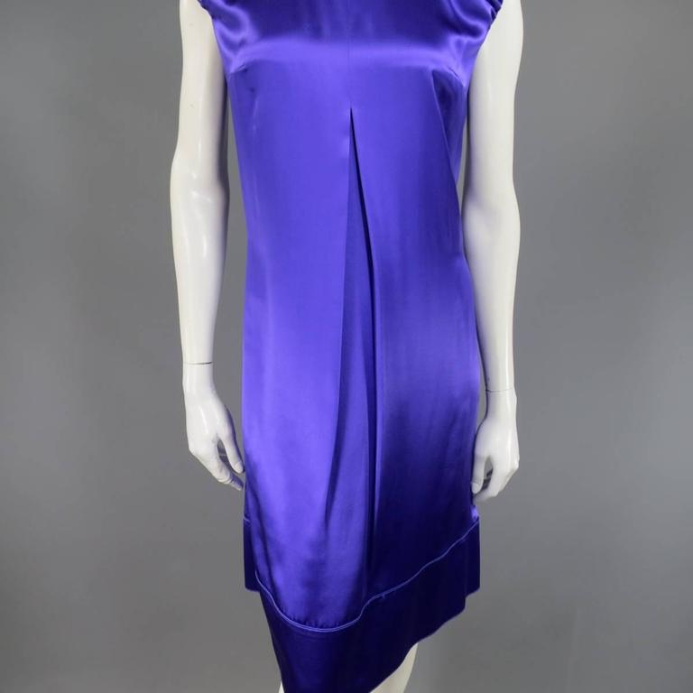 DOLCE & GABBANA Dress US 4 Purple Silk Satin A Line Short Puff Sleeve Cocktail In Good Condition For Sale In San Francisco, CA