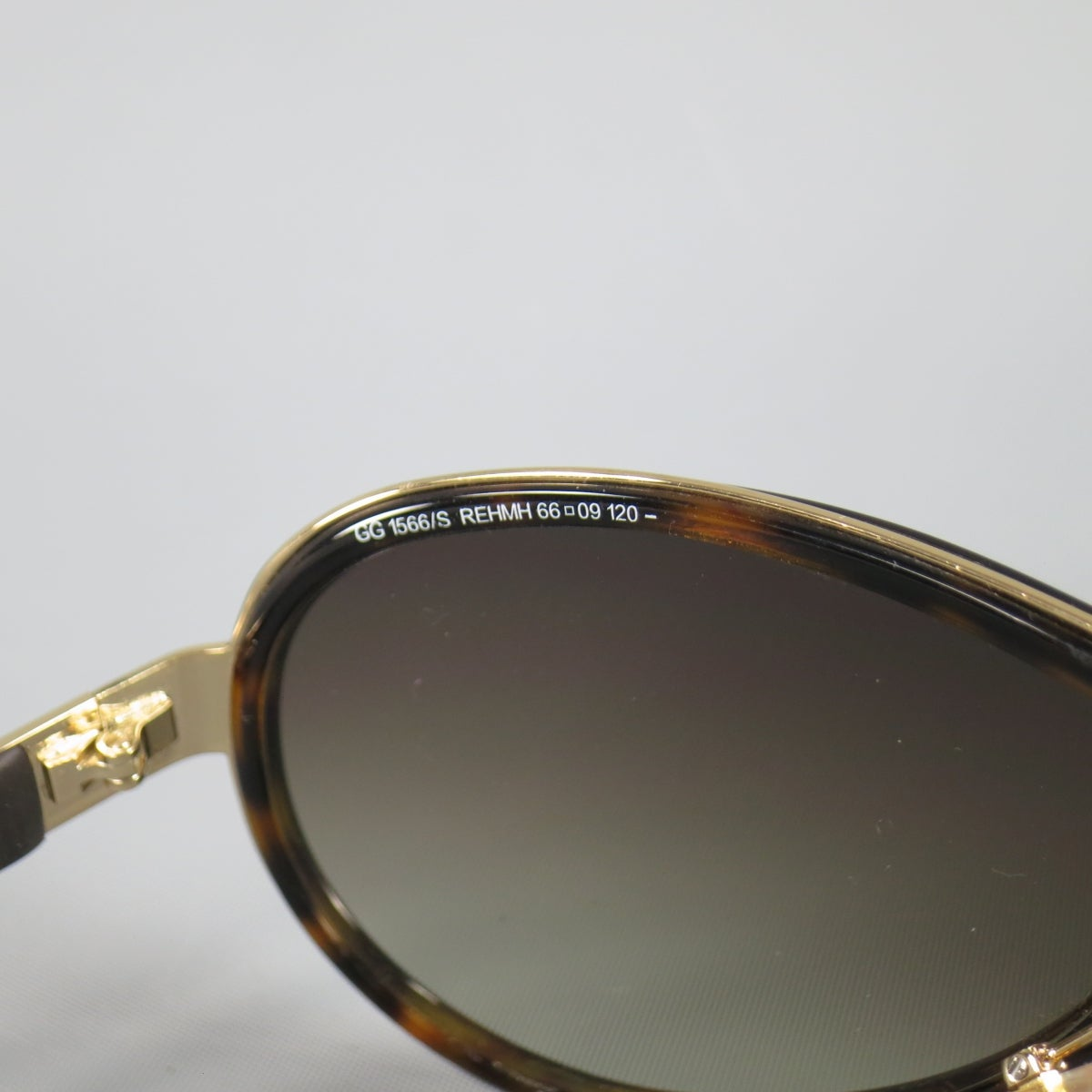fc00131f5e GUCCI Brown Tortoise Shell and Gold Tone Metal Aviator Sunglasses at 1stdibs