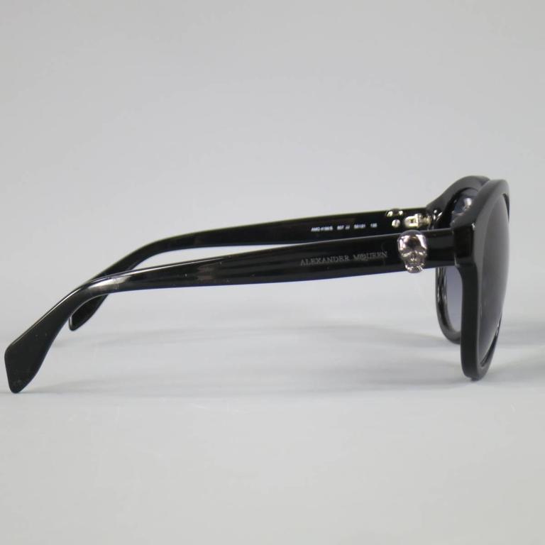 ALEXANDER MCQUEEN Black Acetate Round Skull Sunglasses 3