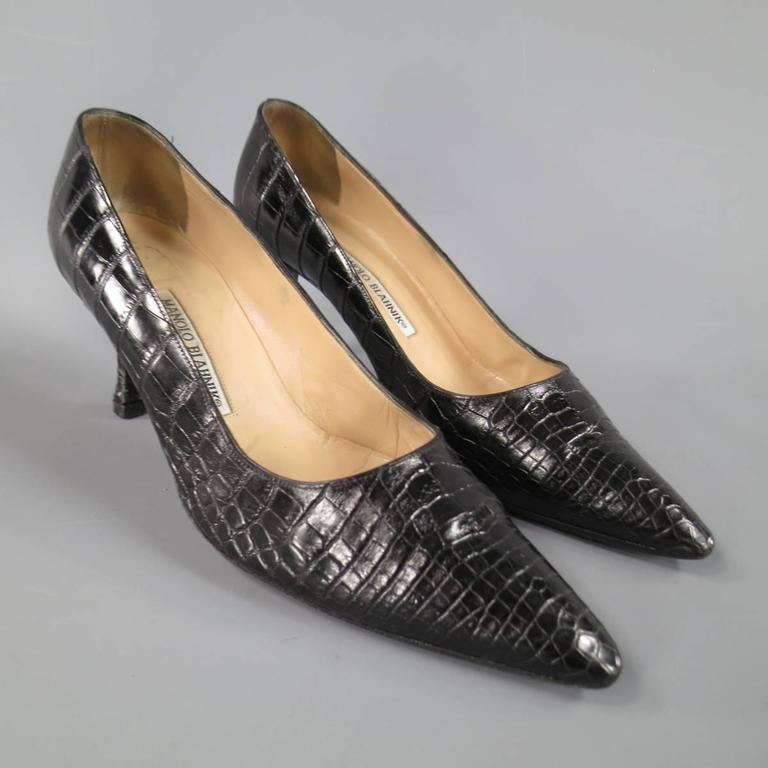 MANOLO BLAHNIK Size 8 Black Alligator Skin Leather Pointed Toe Pumps 2