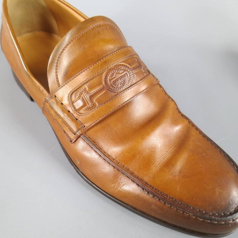 Men's GUCCI Size 7 Tan Ombre Leather Embroidered Horsebit Logo Loafers In Good Condition For Sale In San Francisco, CA