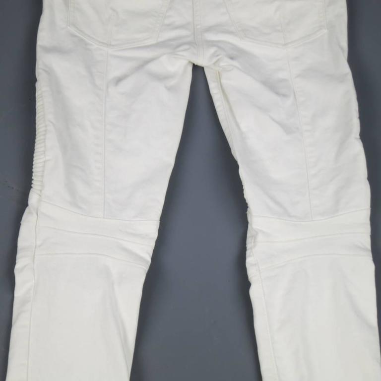 BALMAIN Jeans Size 4 White Cotton Gold Zip Moto In Excellent Condition For Sale In San Francisco, CA