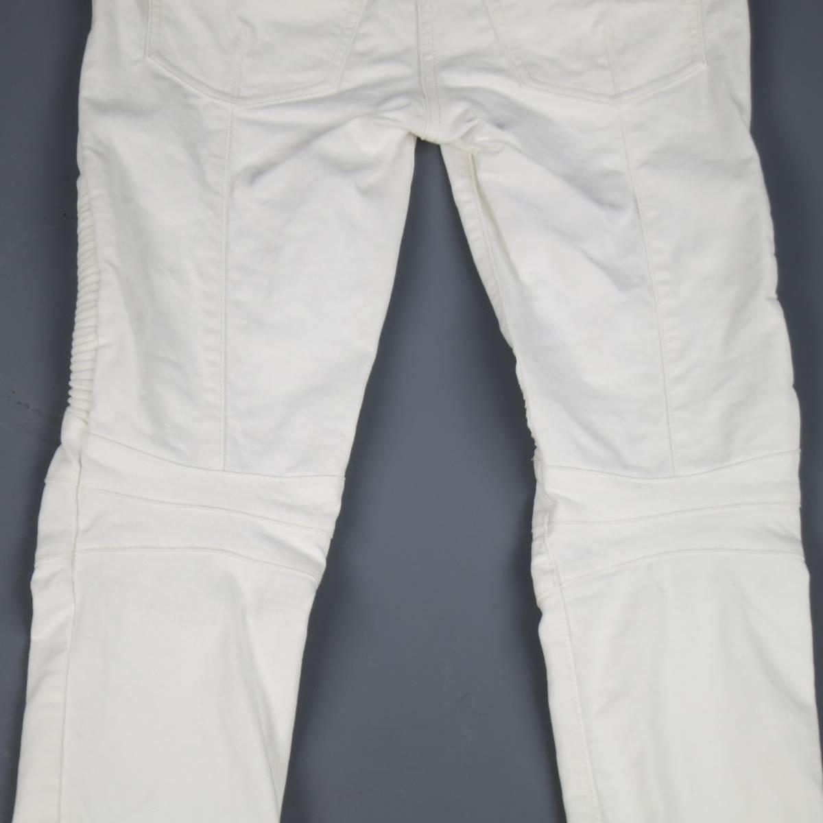 78693eaec016 BALMAIN Jeans Size 4 White Cotton Gold Zip Moto For Sale at 1stdibs