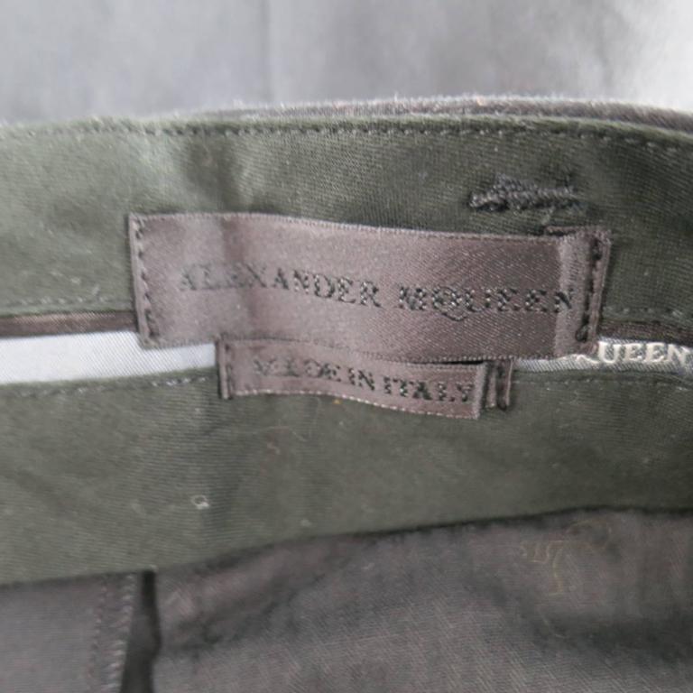 Men's ALEXANDER MCQUEEN Size 36 Black Cotton Pleated Cuffed Shorts 6