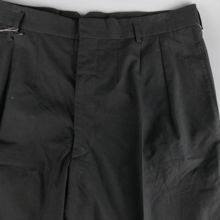 Men's ALEXANDER MCQUEEN Size 36 Black Cotton Pleated Cuffed Shorts 2