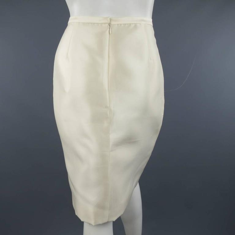f18f337c71 Beige BADGLEY MISCHKA Skirt - Size 6 Cream Structured Satin Pencil Skirt  For Sale