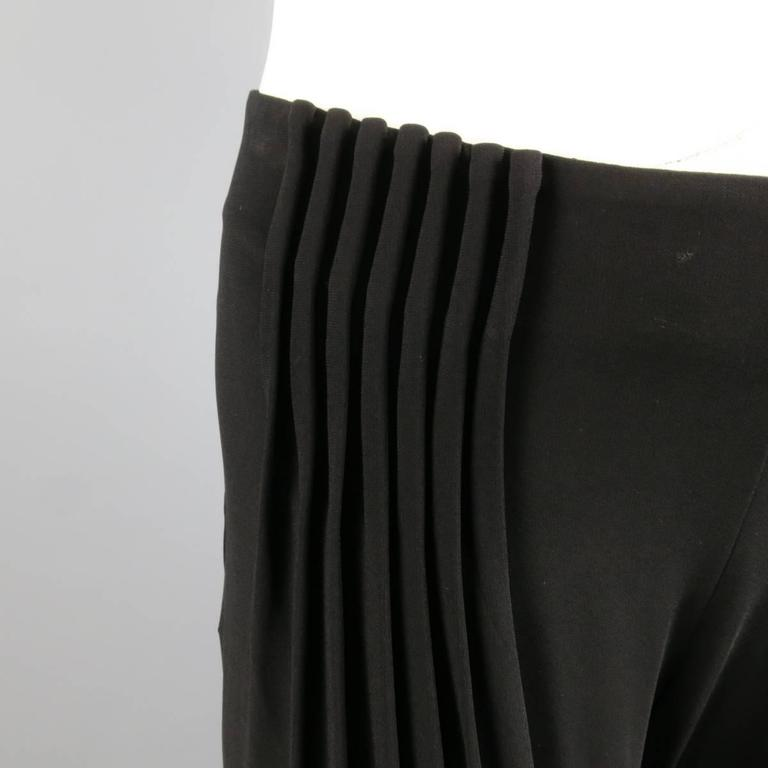 FENDI Size 6 Black Rayon Blend Pleated Front Wide Leg Dress Pants In Excellent Condition For Sale In San Francisco, CA