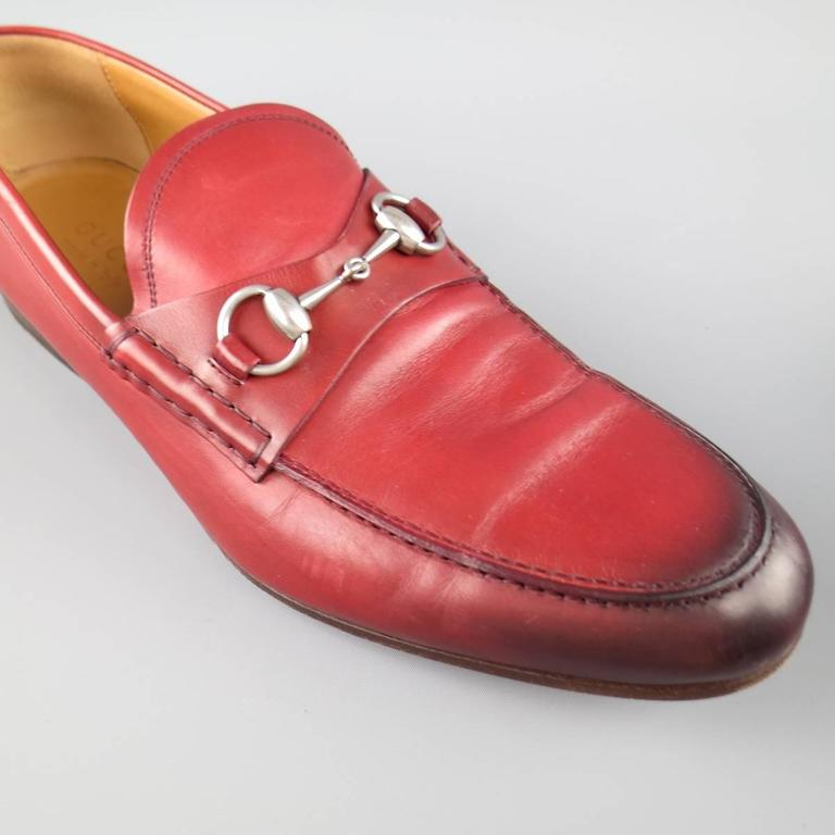 Men's GUCCI Size 10 Brick Red Ombre Leather Silver Horsebit Loafers In Good Condition For Sale In San Francisco, CA