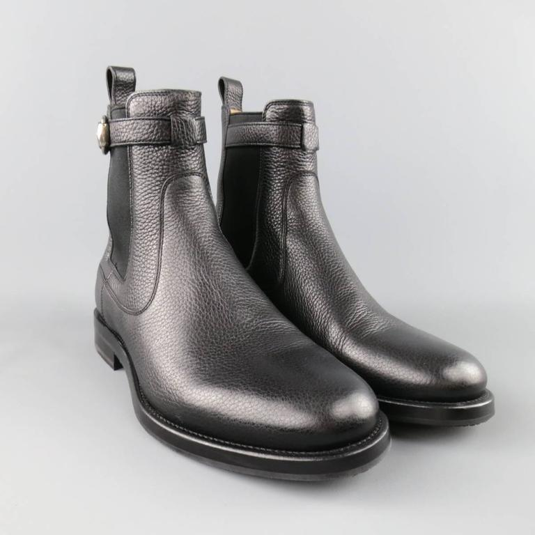 GUCCI Size 10.5 Black Pebbled Leather Royer Ankle Buckle Boots In Excellent Condition For Sale In San Francisco, CA