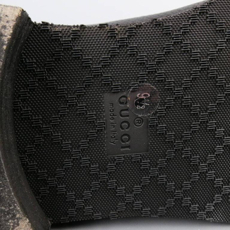 GUCCI Size 10.5 Black Pebbled Leather Royer Ankle Buckle Boots For Sale 3