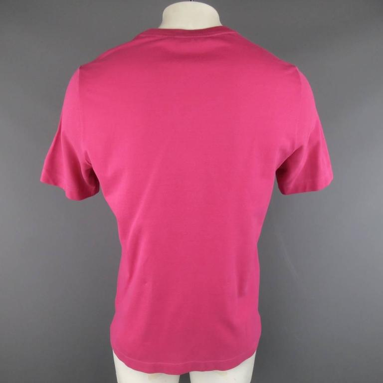 HERMES Size XL Pink Pique Ebroidered Emblem Ras du Cou Pocket T-shirt For Sale 1