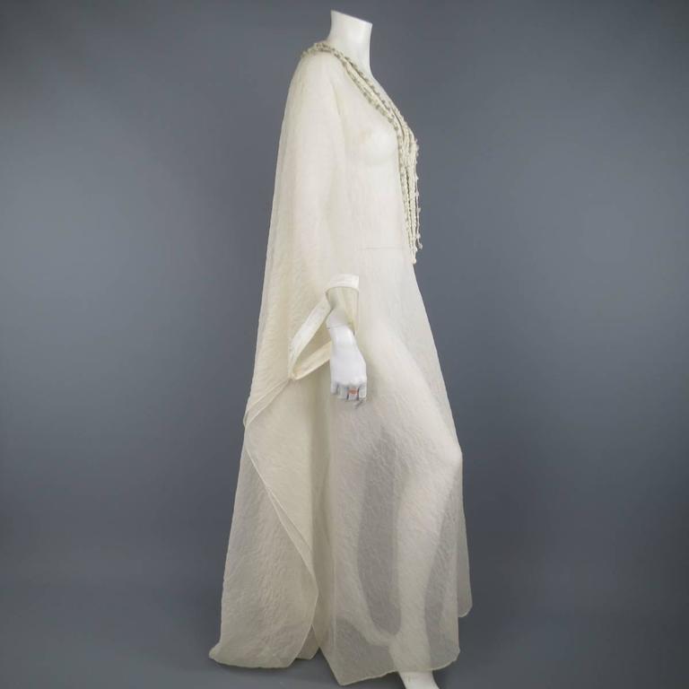 OSCAR DE LA RENTA Beige Textured Silk Fringe Embellished Trim Kaftan Gown For Sale 3