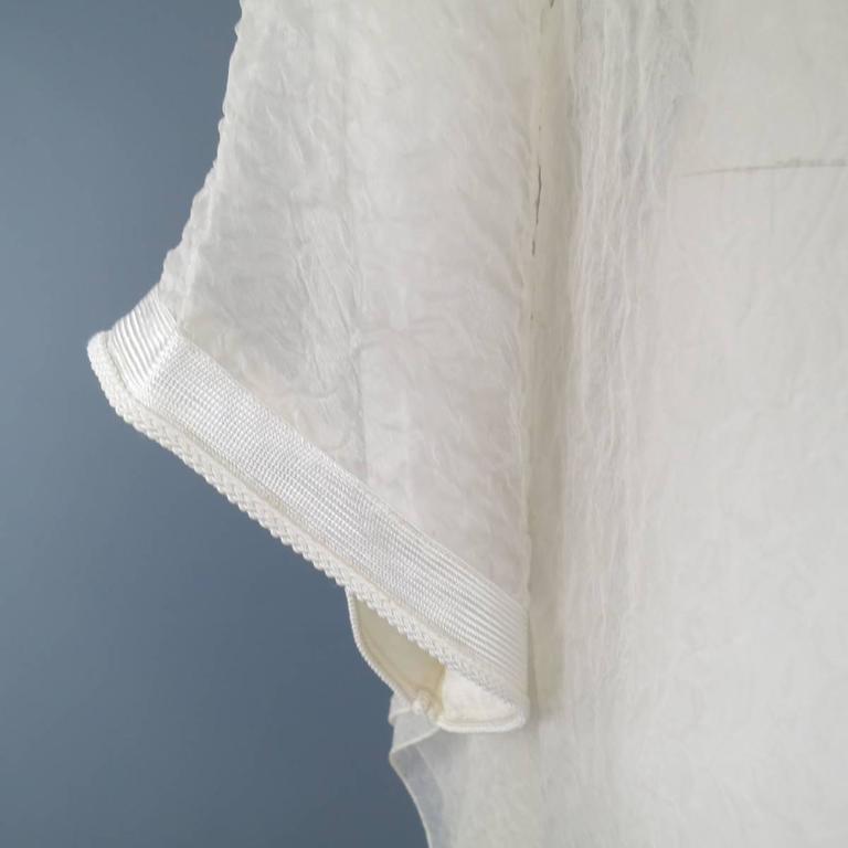 OSCAR DE LA RENTA Beige Textured Silk Fringe Embellished Trim Kaftan Gown For Sale 2