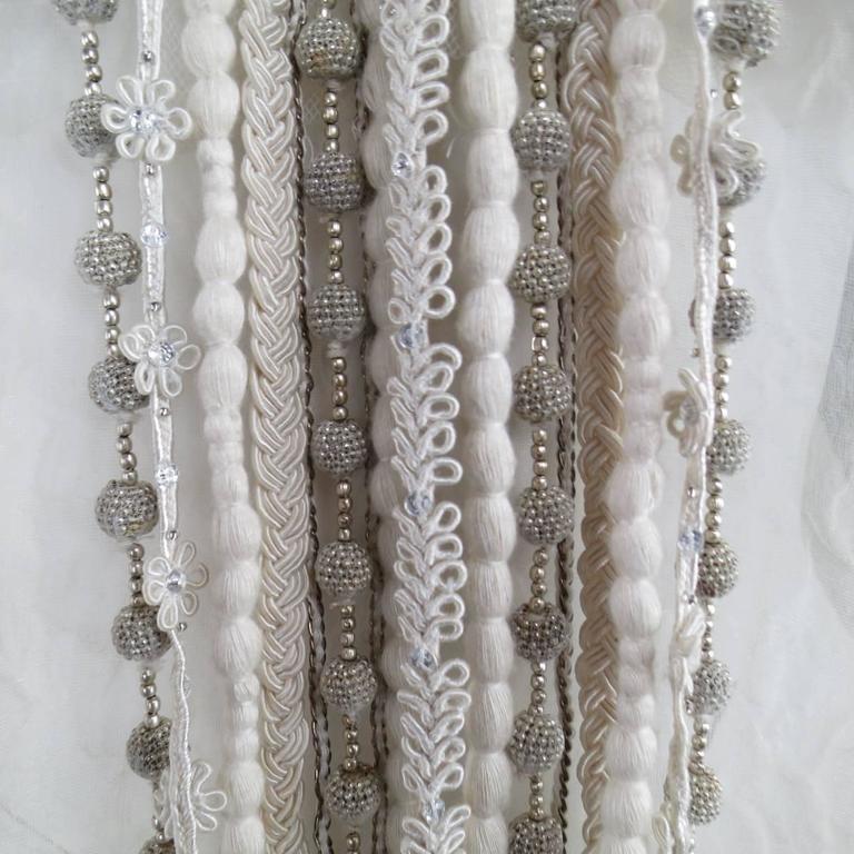 OSCAR DE LA RENTA Beige Textured Silk Fringe Embellished Trim Kaftan Gown For Sale 1