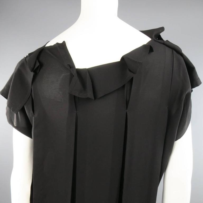 ISSEY MIYAKE Size L Black Asymmetrical Pleated Chiffon Blouse For Sale 3